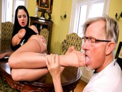 Lick My Feet Mr Clark! Says Sexy Sex Star Anastasia Brill